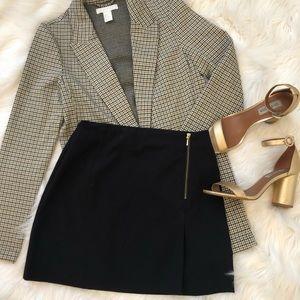 Black Mini Skirt with Gold Zipper Detail ✨